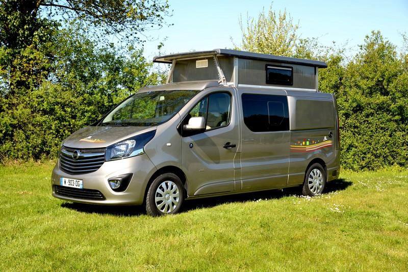 Trafic Renault Amenage En Camping Car Occasion Avec Toit Relevable