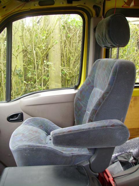 voir le sujet master ii l3h2 anciennement bus 15 places. Black Bedroom Furniture Sets. Home Design Ideas