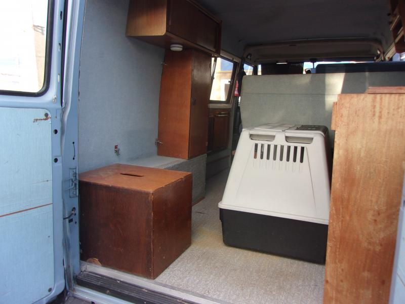 voir le sujet peugeot j5. Black Bedroom Furniture Sets. Home Design Ideas