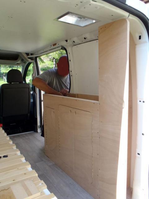 plus de 1000 id es propos de amenagement fourgon sur pinterest camping cars tente et. Black Bedroom Furniture Sets. Home Design Ideas