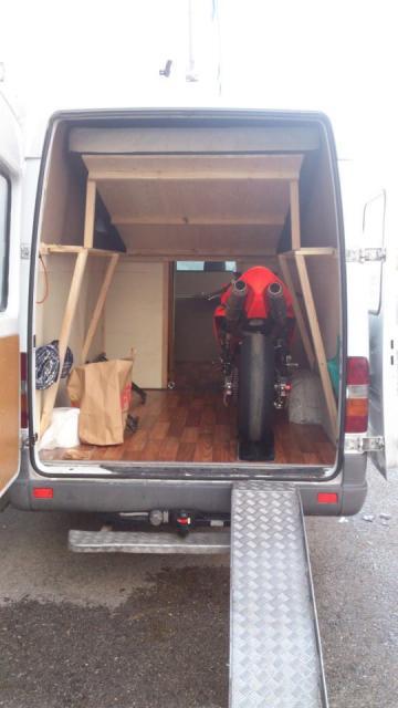 voir le sujet sprinter 312d 2000 2 motos 3 places. Black Bedroom Furniture Sets. Home Design Ideas
