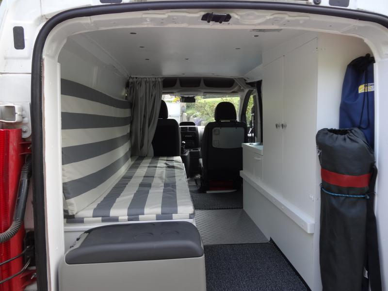 1000 images about amenagement camion on pinterest for Habillage interieur voiture