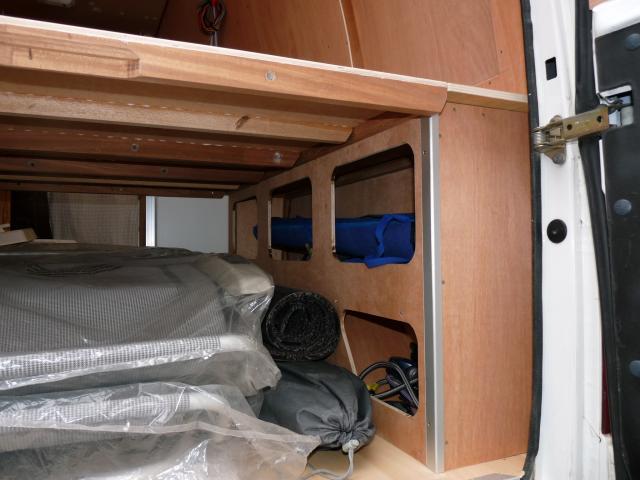 voir le sujet ford transit 1999. Black Bedroom Furniture Sets. Home Design Ideas