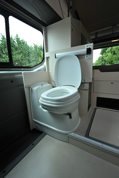 Voir le sujet trafic 2013 l2h2 2 places utilisation toute - Cabine de douche pour caravane ...