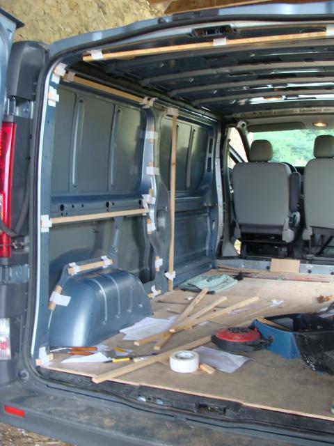 voir le sujet trafic dci. Black Bedroom Furniture Sets. Home Design Ideas