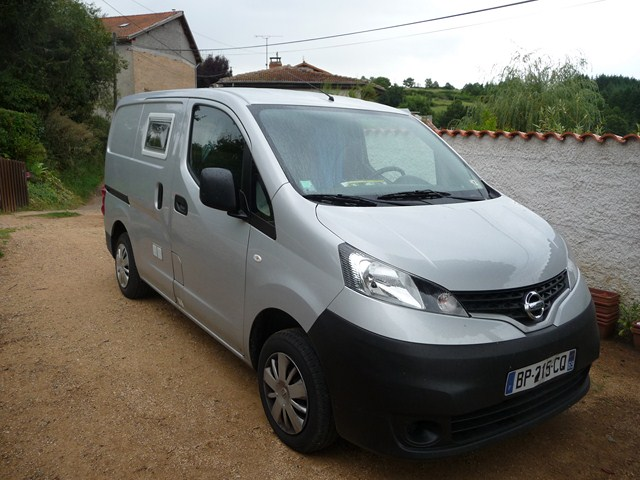 voir le sujet nissan evalia nv200 avis. Black Bedroom Furniture Sets. Home Design Ideas