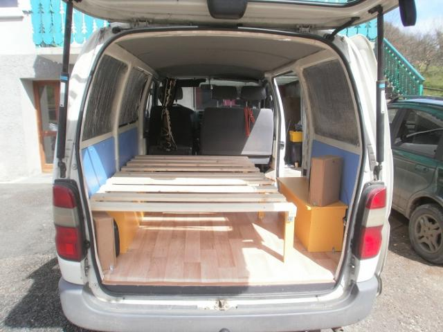 voir le sujet toyot. Black Bedroom Furniture Sets. Home Design Ideas