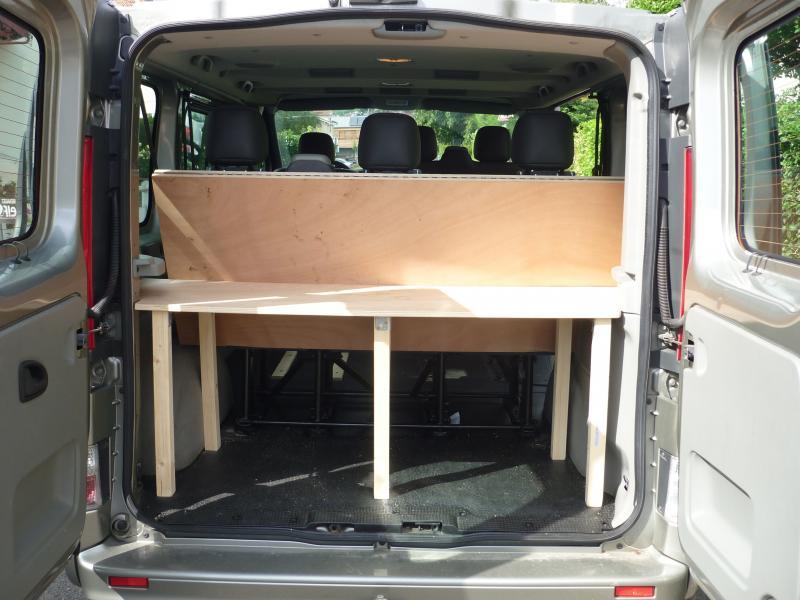 voir le sujet trafic 2011 l1h1 9 places camping 2 adultes. Black Bedroom Furniture Sets. Home Design Ideas