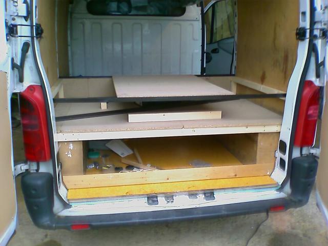 voir le sujet plans pour meuble cuisine. Black Bedroom Furniture Sets. Home Design Ideas
