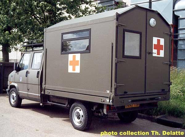 voir le sujet rech site d 39 annonce vehicule militaire. Black Bedroom Furniture Sets. Home Design Ideas