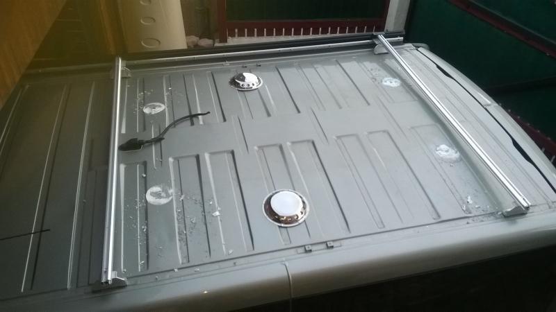 voir le sujet pose d 39 un panneau solaire sur le toit vos m thodes. Black Bedroom Furniture Sets. Home Design Ideas