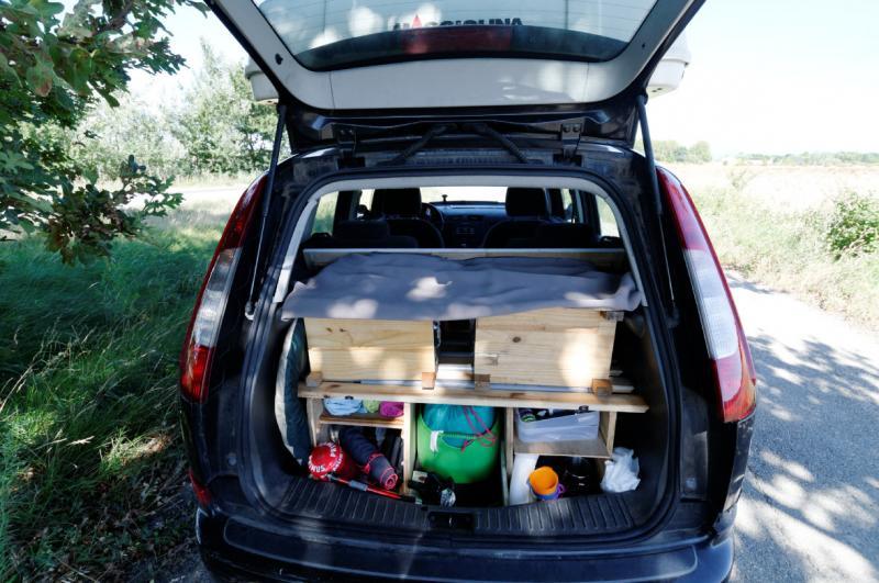voir le sujet ford cmax dormir en voiture monospace 4 pers. Black Bedroom Furniture Sets. Home Design Ideas