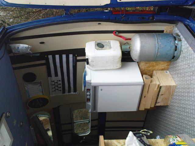 voir le sujet meuble frigo trimixte et l ctricit. Black Bedroom Furniture Sets. Home Design Ideas