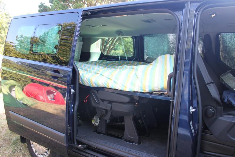 super ford transit custom am nag ew75 humatraffin. Black Bedroom Furniture Sets. Home Design Ideas